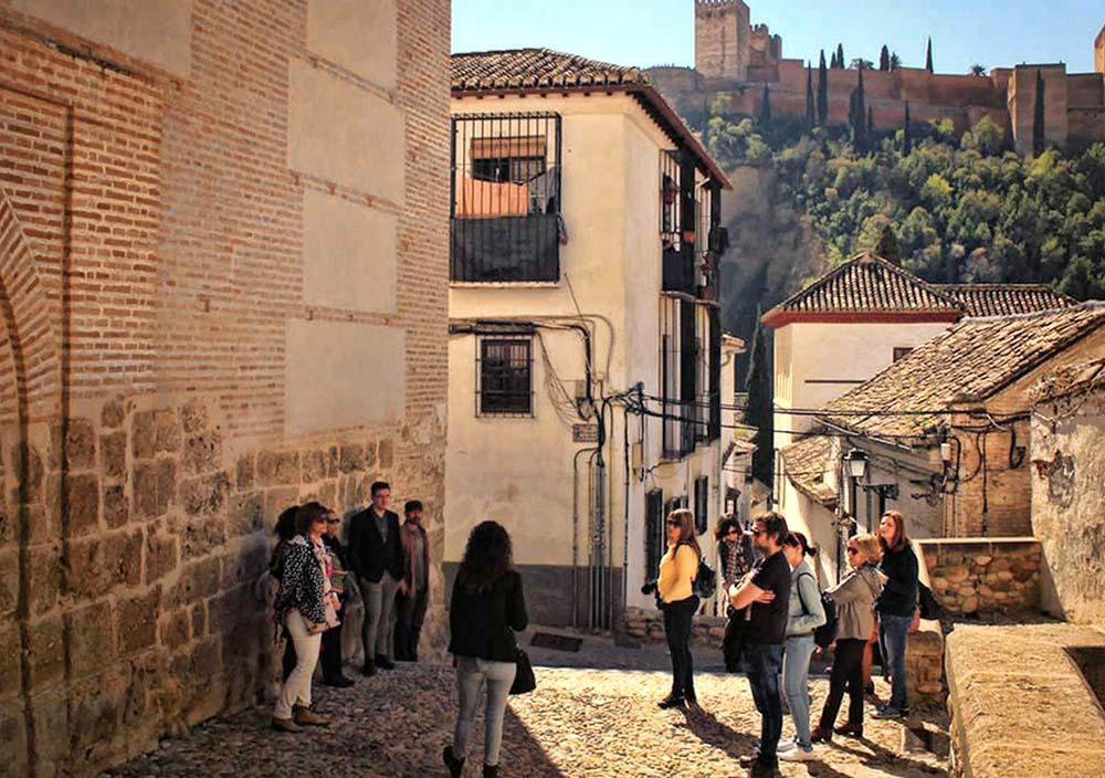 San Valentin en Granada. Ruta a pie por el Albaicín y el Sacromonte